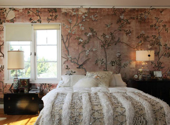 moroccan wedding blanket bedroom chinoiserie wallpaper lilac dusty rose