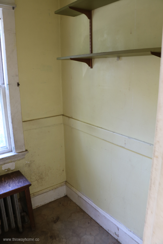 Brackett Flip House Dirty Old Bathroom